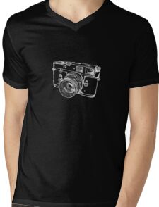 Vintage Rangefinder Camera Line Design - White Ink for Dark Background Mens V-Neck T-Shirt