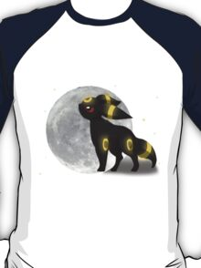 Umbreon with the Moon Pokemon T-Shirt