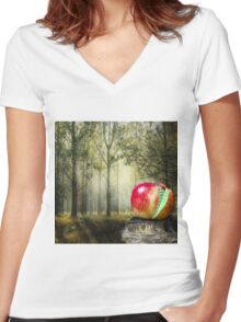 Creative Code Women's Fitted V-Neck T-Shirt