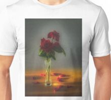 Red roses say love Unisex T-Shirt