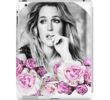 Gillian Anderson - Flower Queen iPad Case/Skin