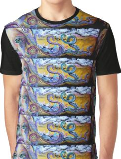 Inner workings abroad Graphic T-Shirt