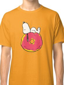 snoopy love donuts Classic T-Shirt