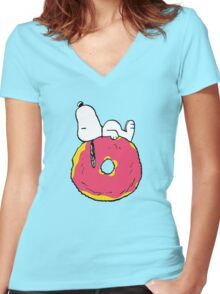 snoopy love donuts Women's Fitted V-Neck T-Shirt