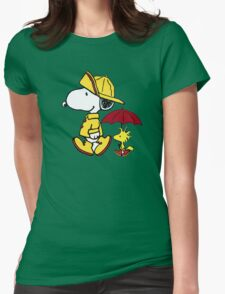 umbrella snoopy peanut Womens Fitted T-Shirt