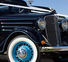 Chevrolet Classic by reflector