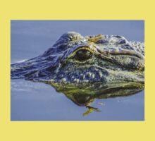 Dragonfly on the alligator eye Kids Tee