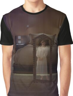 The room and the mirror ... Graphic T-Shirt