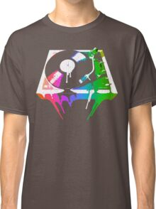 Melting Turntable (vintage distressed look) Classic T-Shirt