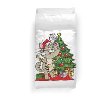 Cat and mouse dress up a Christmas tree Duvet Cover