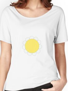 Daisy Graphic Design, White and Yellow Nature Women's Relaxed Fit T-Shirt