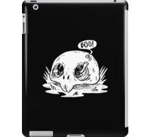 worm in skull iPad Case/Skin