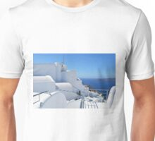 28.09.2016 Photography of traditional and famous white houses over the Caldera, Aegean sea in Santorini island, Greece. Unisex T-Shirt