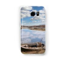old beached fishing boat on Donegal beach Samsung Galaxy Case/Skin