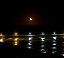 Pier at Night by danbwr