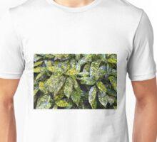 Green leaves pattern Unisex T-Shirt