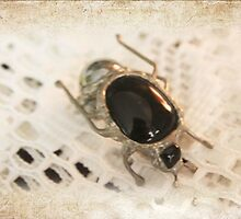 Goggo/Insect range - Dung Beetle by Maree  Clarkson
