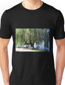 Old Weeping Willow Tree Unisex T-Shirt