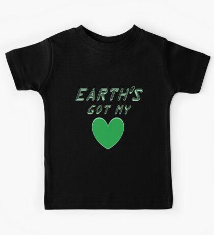 Earth's got my heart Kids Tee