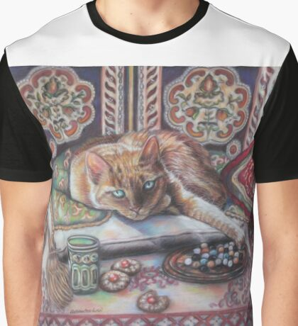 Ginger cat playing Solitaire Graphic T-Shirt