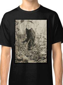 Kitty in Wonderland Classic T-Shirt