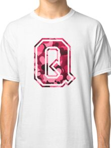 College letter Q with hearts pattern Classic T-Shirt