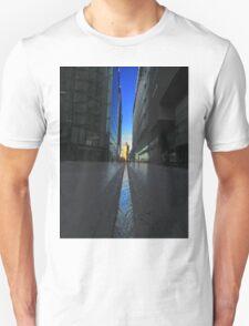 Tower Bridge Canyon - London Unisex T-Shirt