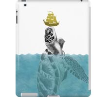 The Giant Sea Turtle  iPad Case/Skin