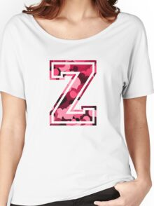 College letter Z with hearts pattern Women's Relaxed Fit T-Shirt