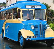 Scilly Bus by RedHillDigital
