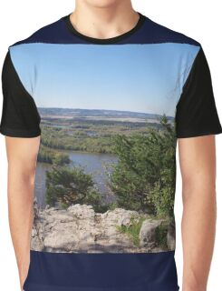 Panoramic view of the Upper Mississippi River, looking into MN from Buena Vista Park, Alma, WI Graphic T-Shirt