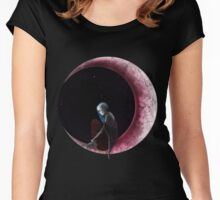 TwiLife Women's Fitted Scoop T-Shirt
