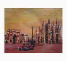Milan Cathedral with Oldtimer Convertible Alfa Romeo T-Shirt