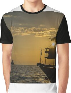 When the sun goes down  Graphic T-Shirt