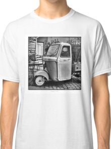"Italian Vespa ""truck"" Classic T-Shirt"