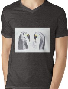 Pinguin-Familie mit Baby Mens V-Neck T-Shirt