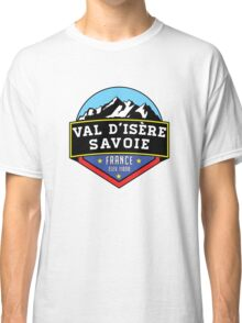 Val d'Isere France Skiing SAVOIE TARENTAISE VALLEY Ski Snowboard Mountain Silhouette Skis 2 Classic T-Shirt