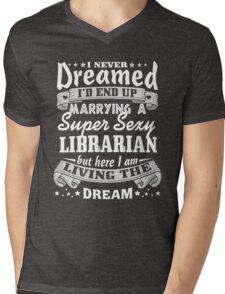 Librarian Husband Christmas Gift Mens V-Neck T-Shirt