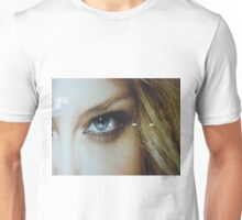 the eye of a blond beauty Unisex T-Shirt