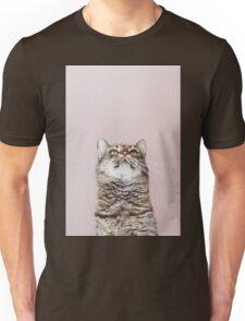 Beautiful cat looking up Unisex T-Shirt