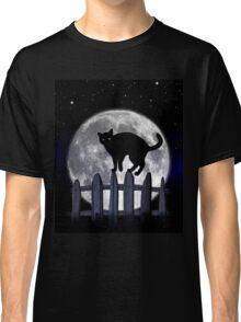 spooky black cat Classic T-Shirt