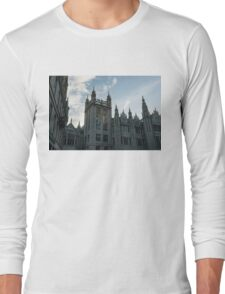 Silver City Architecture - the Magnificent Marischal College at Sunrise Long Sleeve T-Shirt