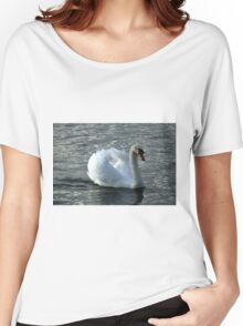 swan on the lake Women's Relaxed Fit T-Shirt