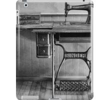 Old Singer 2 McGulpin Lighthouse BW iPad Case/Skin