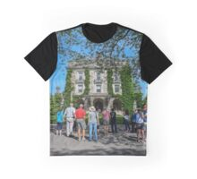 Visitors In Front Of Kykuit Rockefeller Estate | Sleepy Hollow, New York Graphic T-Shirt