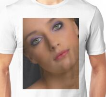 I've seen your face before Unisex T-Shirt