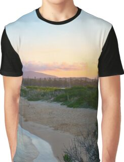 Family leaves the beach Graphic T-Shirt