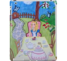 Alice in Wonderland at the madhatters teaparty  iPad Case/Skin