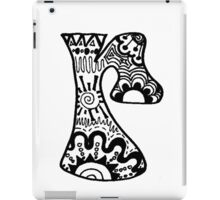 "Hipster Letter ""R"" Zentangle iPad Case/Skin"