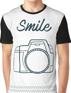 Smile ! Graphic T-Shirt